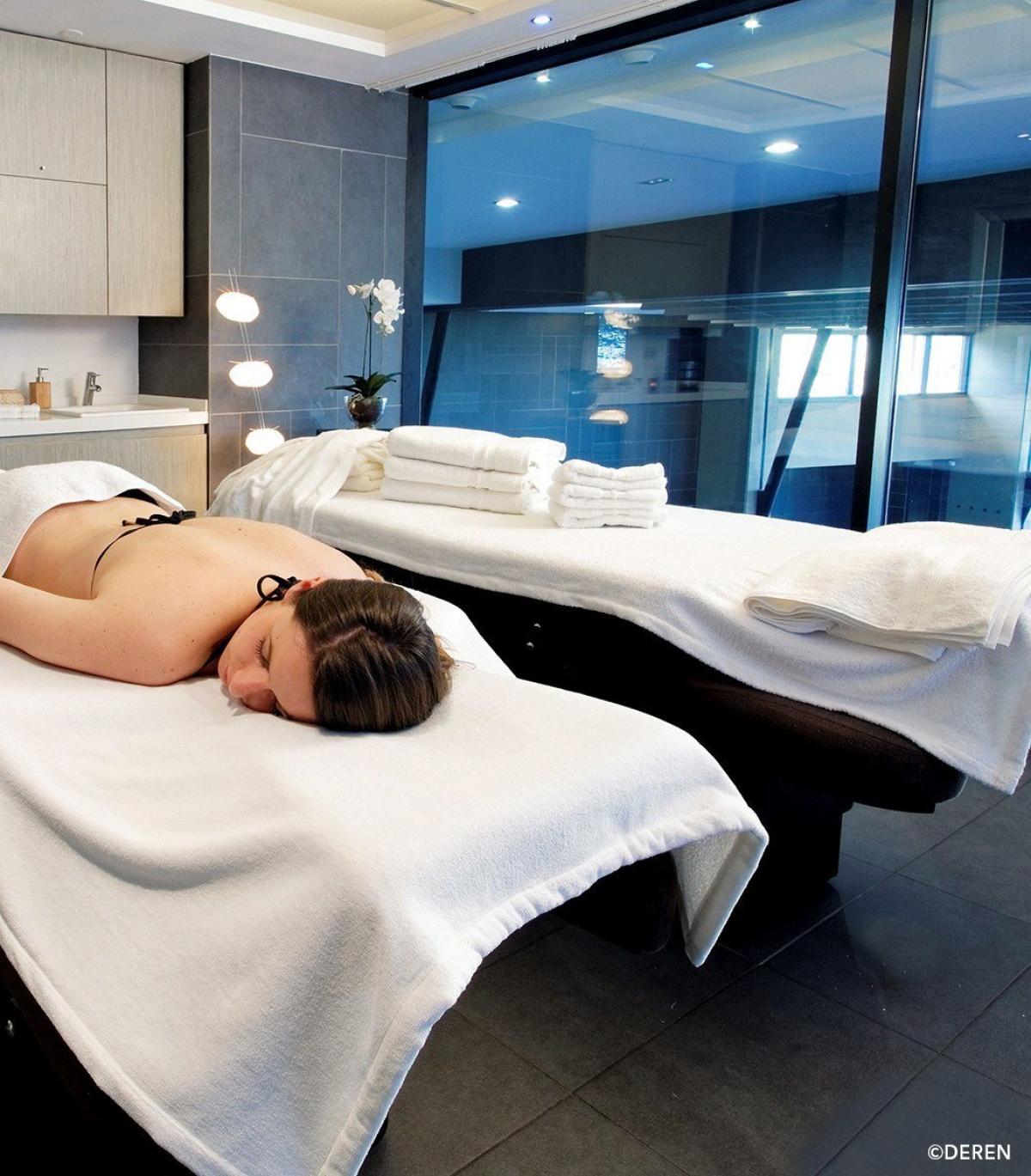 maxi drap de bain pressing de la cote. Black Bedroom Furniture Sets. Home Design Ideas